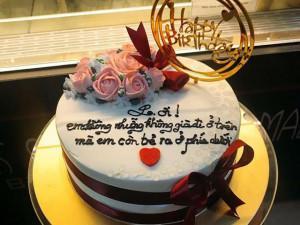 """Tặng bánh sinh nhật đẹp nhưng lời chúc bá đạo ở trên bánh mới thực sự """"gây bão"""" MXH"""