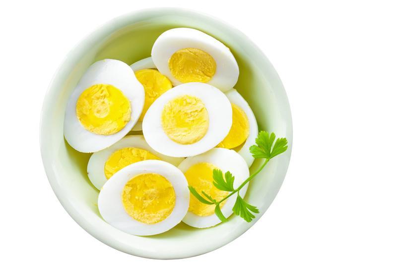 Trứng là thực phẩm tươi ngon, vô cùng bổ dưỡng, cũng cấp các chất cần thiết cho cơ thể. Vì thế, trứng là nguyên liệu không thể thiếu trong các bữa cơm gia đình.