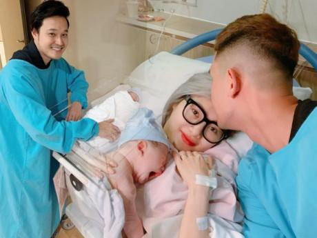 Em gái Quang Vinh hạ sinh con đầu lòng, hé lộ cuộc sống như mơ với chàng phi công