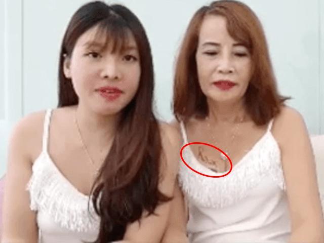 Cưới vợ hai cho chồng, cô dâu 62 tuổi lộ hình xăm chất chơi ở thềm ngực