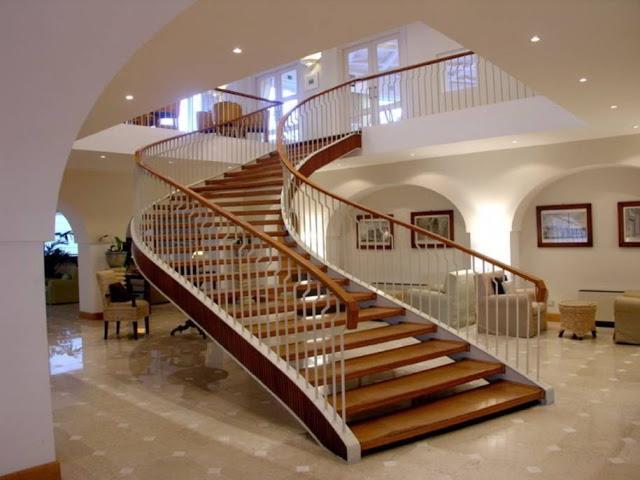 Top 20 mẫu cầu thang gỗ đẹp cuốn hút, biến nhà bạn thành khách sạn vừa tiện vừa sang