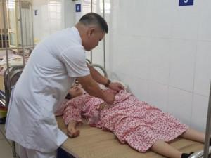 Bà bầu - Sau sinh con gần 1 tháng, bác sĩ kinh hoàng nhìn cảnh tượng bên trong bụng bà mẹ Hà Nội