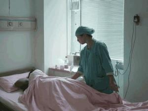 """Mẹ trẻ ôm xác con trên tay khi vừa sinh vì hội chứng """"chết người"""" bà bầu nào cũng sợ"""