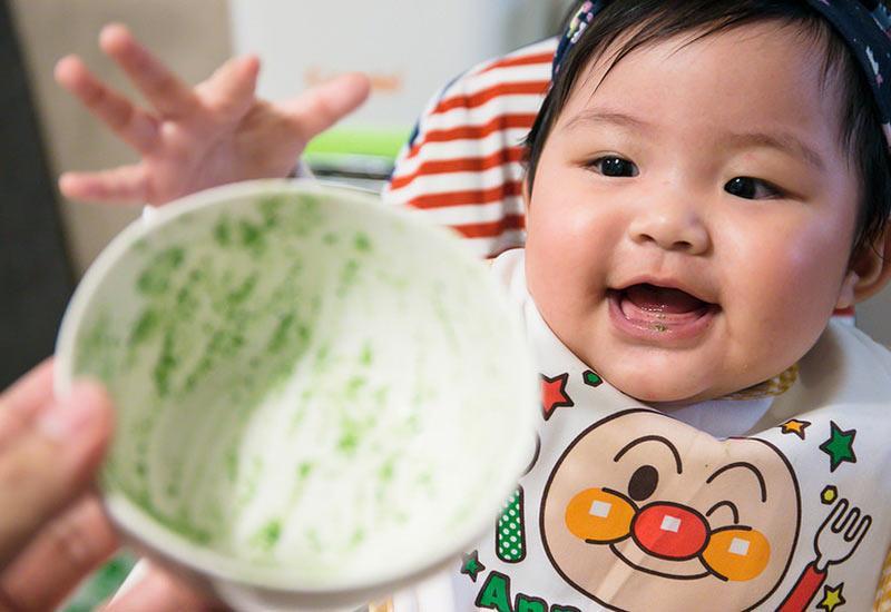 Ngoài việc lựa chọn thực phẩm ăn dặm có độ mềm và dinh dưỡng phù hợp cho trẻ tuổi ăn dặm, rất nhiều chị em còn đau đầu vì tình trạng an toàn vệ sinh thực phẩm.