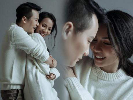 Kỷ niệm 12 năm ngày cưới, vợ chồng Hoàng Bách vẫn hạnh phúc như thuở mới yêu