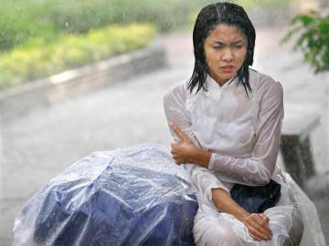 """Sau 6 năm kết hôn, lần đầu Hà Tăng kể cuộc sống làm mẹ """"khổ"""" đến thế này"""