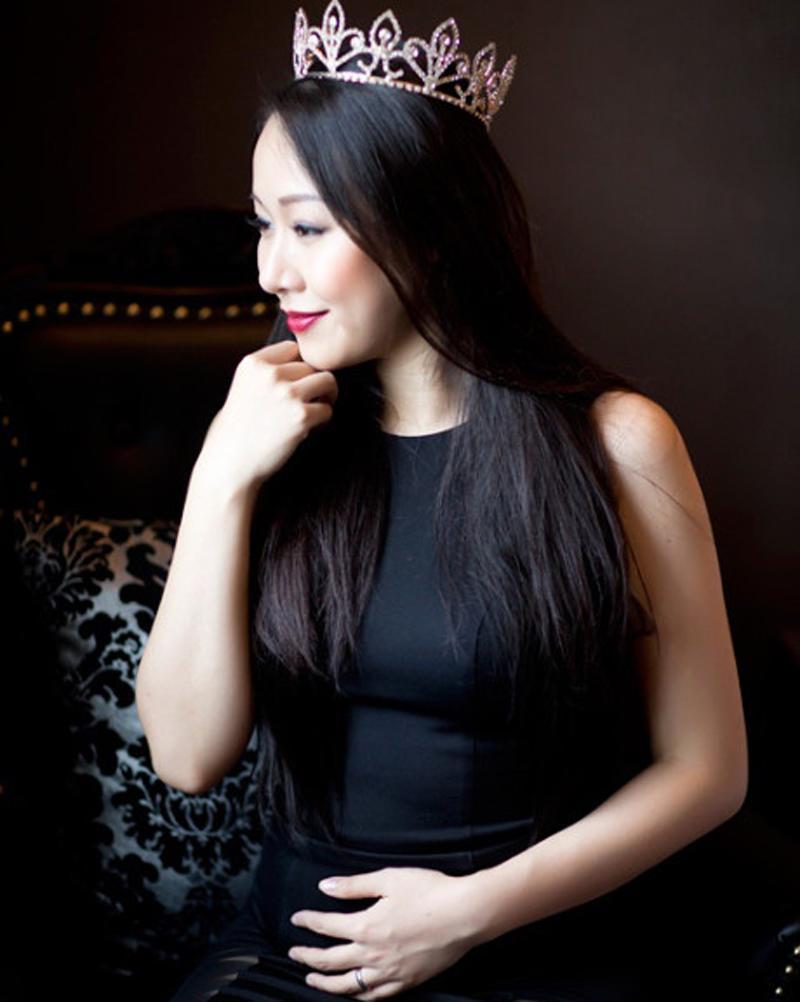 Jennifer Phạm, Ngô Phương Lan, Hà Kiều Anh, Diễm Hương, ... đều là những hoa hậu được nhiều người quan tâm. Họ thậm chí vẫngiữ được nhan sắc hơn ngườingay cả khi mang bầu.