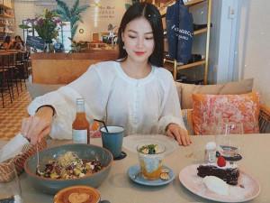 Trước đăng quang HH Trái đất, Phương Khánh dành cả tuổi thanh xuân để ăn sang chảnh thế này