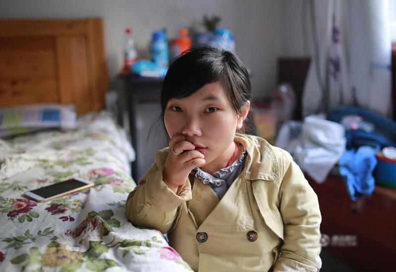 Chị Giang Hải Hồng là một người phụ nữ đặc biệt, vì chứng loạn sản sụn nên dù 25 tuổi nhưng chỉ chỉ cao đúng 88cm.