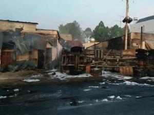 Hiện trường vụ xe bồn chở xăng hóa quả cầu lửa khiến 6 người tử vong