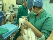 Em bé chào đời suôn sẻ, mẹ đang nằm nghỉ bỗng rít lớn một tiếng rồi ra đi mãi