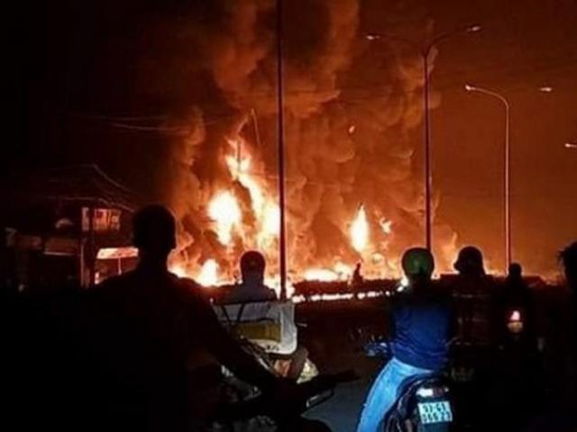Vụ tai nạn thảm khốc ở Bình Phước: Tôi bất lực nhìn nhà mình cháy