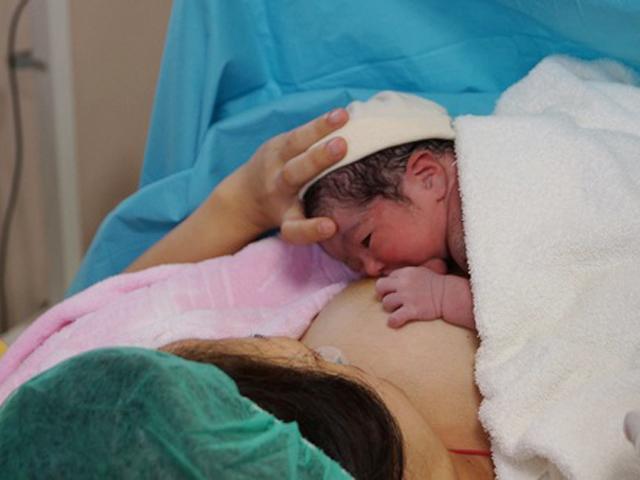 Trẻ sinh ra với cân nặng không nhỏ hơn con số này, mẹ yên tâm bé rất khỏe mạnh