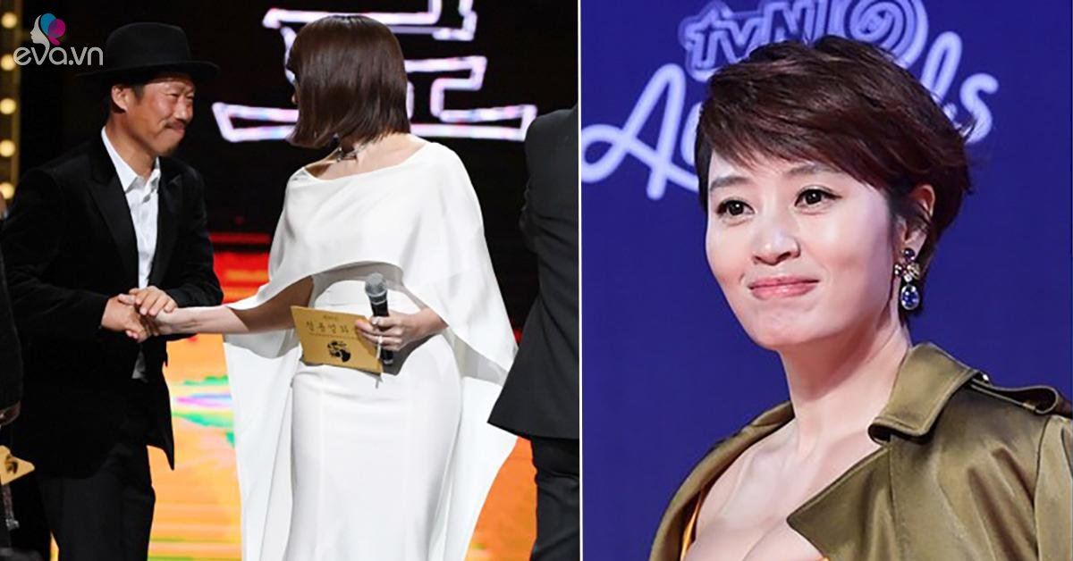 Kim Hye Soo embraces old bad boy after 7 years break up