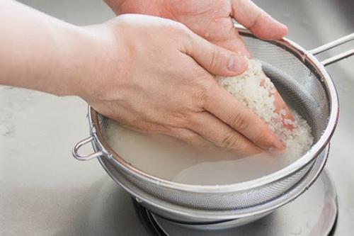 Biết 6 hữu ích của nước vo gạo trong bếp, nhiều người phải hối hận vì đã đổ nó đi