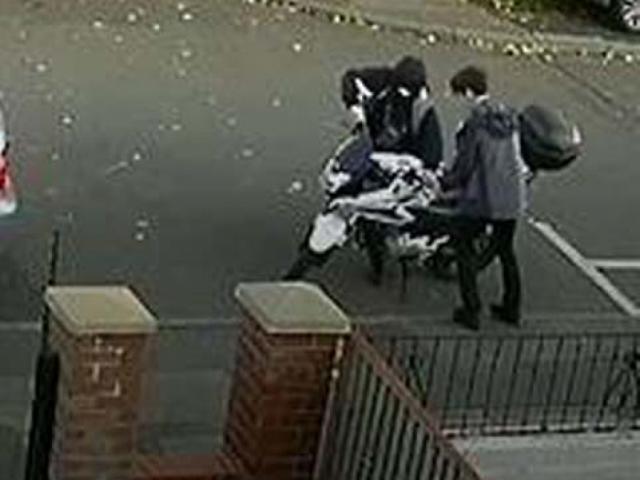 Khó tin: Màn trộm xe máy trong vòng chưa đầy 20 giây