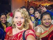 Xem ăn chơi - Tục lệ đám cưới kỳ lạ của Ấn Độ, du khách muốn tham dự phải trả phí
