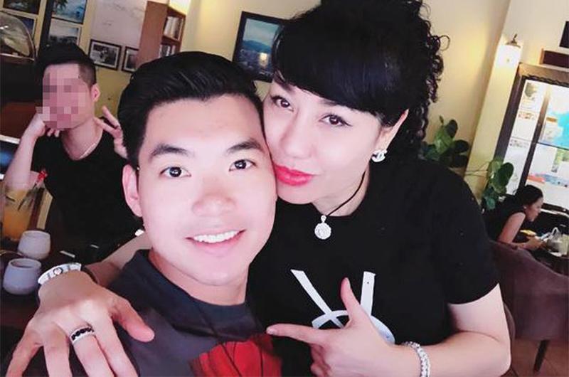 1. Nữ doanh nhân một đời chồnglấy chồng trẻ hơn 15 tuổi  Doanh nhân Thu Huyền (sinh năm 1976) đã từng có một đời chồng và một cô con gái riêng. Cô công khai hẹn hò với người mẫu Trương Nam Thành (sinh năm 1991)từ năm 2017.