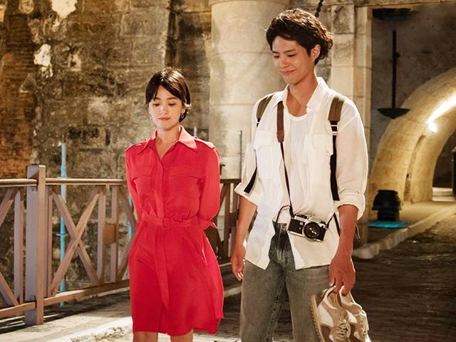Vừa gặp gỡ, Song Hye Kyo đã vui vẻ ăn chơi bằng tiền của tình trẻ Park Bo Gum