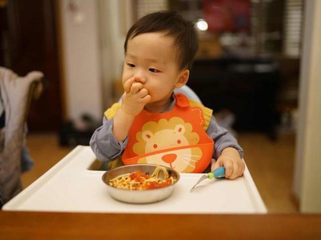Đừng bắt con ăn 5 thực phẩm này, trừ khi mẹ muốn DHA bốc hơi, con kém thông minh