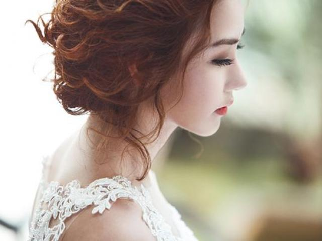Tin nhắn lạ trước đêm cưới khiến cô dâu đổi ngay chú rể, hai họ bàng hoàng