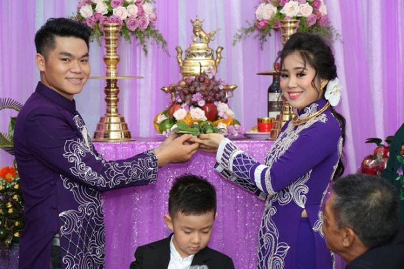 Từng trải qua một cuộc hôn nhân nhiều nước mắt với nam diễn viên đào hoa Quách Ngọc Ngoan nên Lê Phương rất trân trọng hạnh phúc hiện tại với chồng trẻ Phạm Trung Kiên.