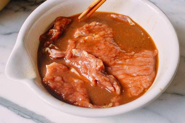 Không ngán ngấy, thịt lợn rán kiểu này 10 người ăn thì 11 người đòi ăn nữa