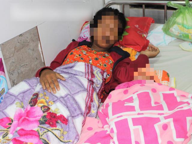 Sản phụ 15 tuổi sinh con, bị chồng hành hạ và bắt đi ăn xin?