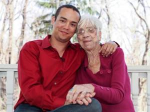 """Cụ bà 91 tuổi thấy """"hồi sinh"""" nhờ đời sống tình dục trong mơ với bạn trai 31 tuổi"""