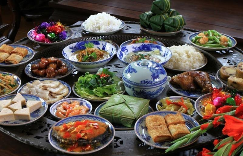 Hàng năm, vào các ngày lễ, ngày Tết lớnthì việc chuẩn bị các mâm cỗ cúng gia tiên, thần linh thổ địa là không thể thiếu trong mỗi gia đình. Trong đó, gia chủ sẽ làm các món ăn ngon, hấp dẫn nhất bày lên mâm cỗ cúng.