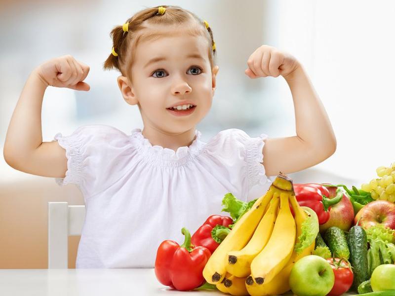 Thực phẩm dành cho trẻ nhỏ là khái niệm do các nhà kinh doanh tự tạo nên. So với các sản phẩm khác, nó chỉ khác biệt về diện mạo và khối lượng.