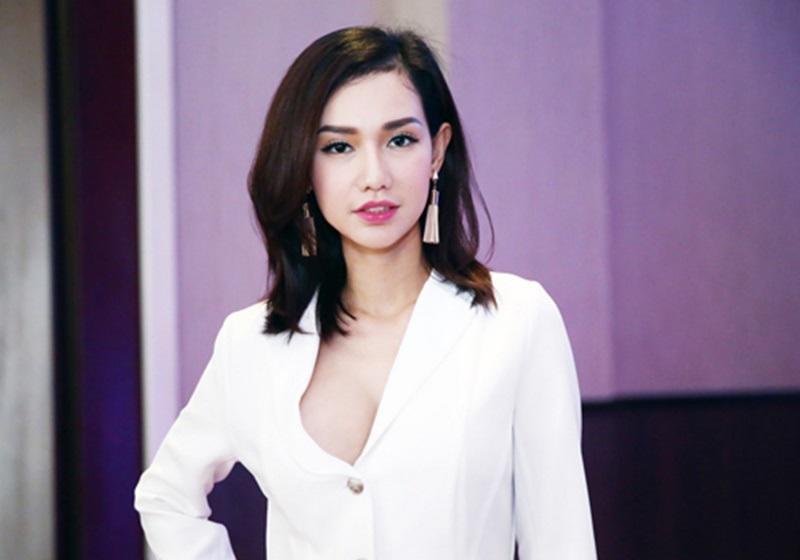 Năm 22 tuổi, khi sự nghiệp của Quỳnh Chi đang bắt đầu thăng hoa thì cô bất ngờ tiết lộ thông tin sẽ làm đám cưới với Văn Chương – con trai nữ đại gia thủy sản Diệu Hiền. Khi ấy, Quỳnh Chi mới chỉ 22 tuổi, chính điều này đã khiến nhiều người vô cùng ngạc nhiên.