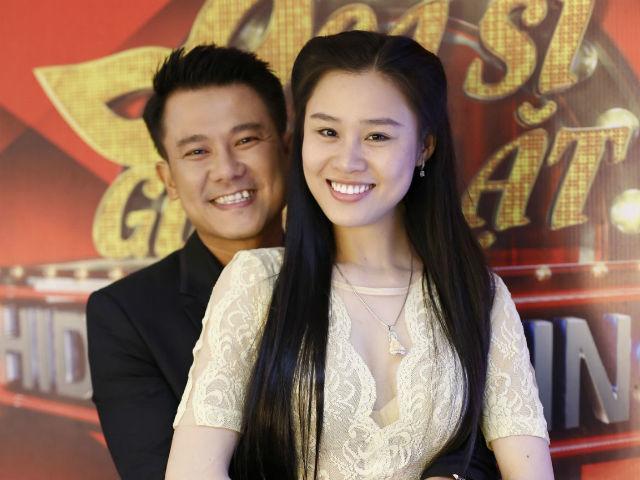 Vợ kém 10 tuổi của Vân Quang Long kể chuyện run sợ khi con sốt, đi viện hết 100 triệu