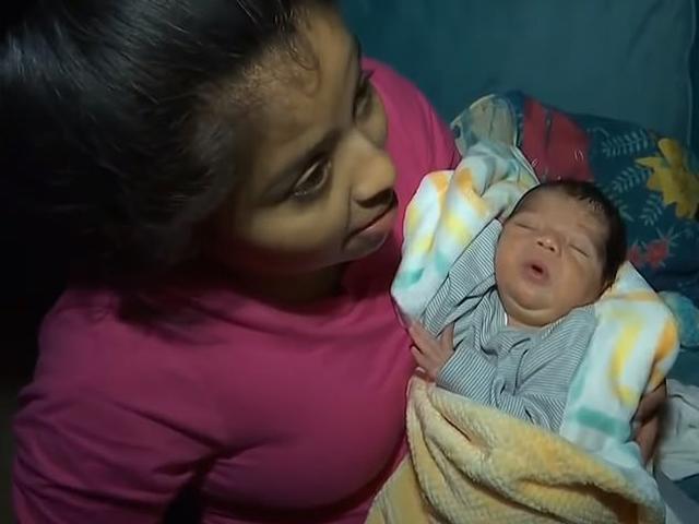 Vừa sinh con, mẹ bị cảnh sát xông vào còng tay, y tá sững sờ ngăn cản ngay lập tức
