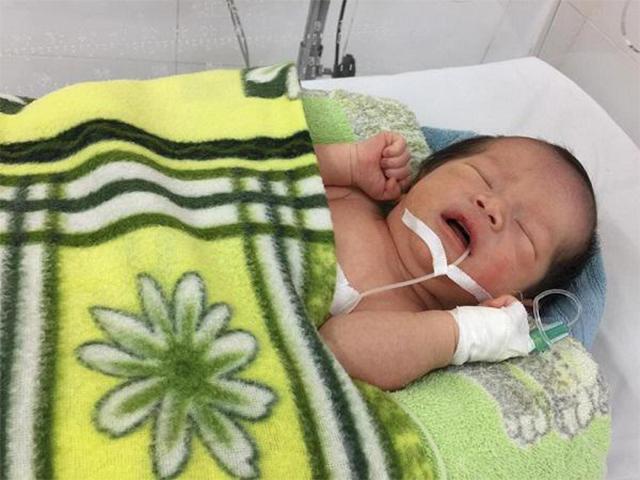 Mẹ bầu Hưng Yên nhập viện cấp cứu, bác sĩ choáng váng khi nhìn vào vùng kín sản phụ