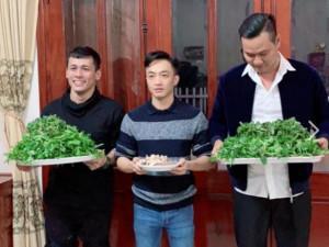 Lộ ảnh Cường Đô La qua ăn hỏi nhà Đàm Thu Trang, sự thật ngã ngửa