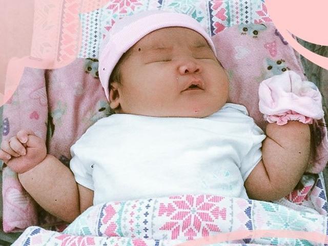 Mẹ bầu Vũng Tàu tăng 20kg đợi mãi không thấy đẻ, ngày con chào đời ai nhìn cũng choáng