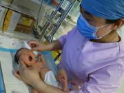 Ông bố U40 mong con suốt 13 năm và nỗi đau vì bị chì chiết không có tinh trùng