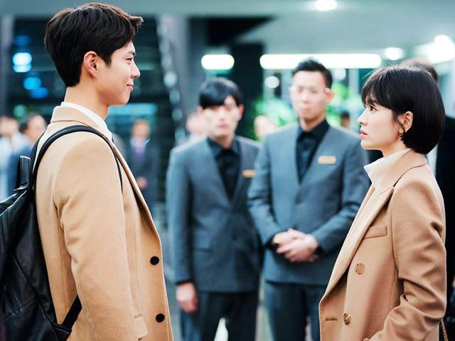 Không còn lén lút, Song Hye Kyo công khai hẹn hò phi công trẻ trước báo chí