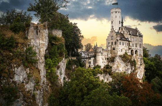 Thật như đùa: Lâu đài khủng 135 phòng nhưng chỉ có giá... 26.000 đồng
