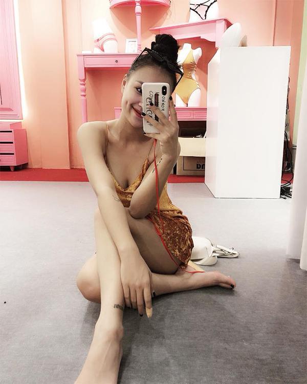 """Vóc dáng """"bốc lửa"""" sau sinh quý tử của nữ DJ Hà Thành vừa tuyên bố ly hôn chồng - 16"""