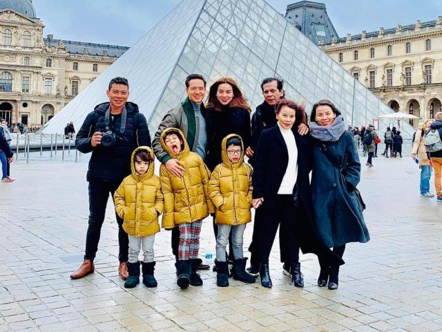 Kim Lý hộ tống cả nhà Hồ Ngọc Hà sang châu Âu tận hưởng kỳ nghỉ Giáng sinh
