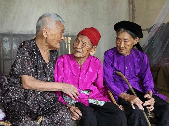 Bí quyết trường thọ của ba cụ bà cùng vượt qua mốc 100 tuổi