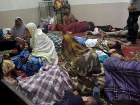 Sóng thần tàn phá Indonesia, hàng trăm người thương vong