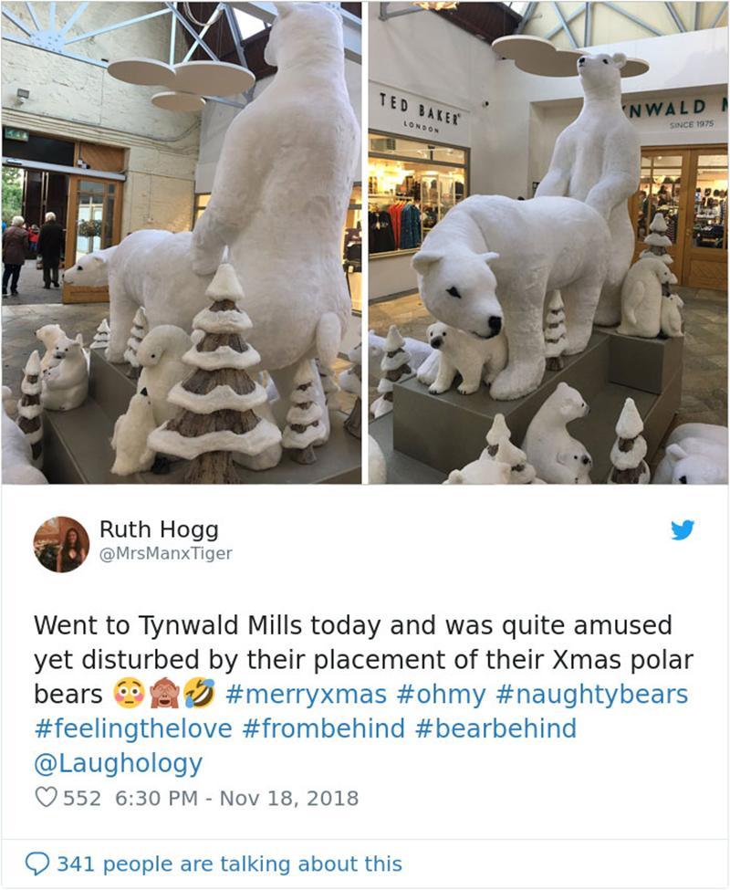 Đây là khung cảnh trang trí Noel ở một cửa hàng bách hóa nổi tiếng tại Anh. Thoạt nhìn ai cũng tưởng chỉ là một gia đình gấu Bắc cực dễ thương nhưng khi nhìn kỹ hành động của gấu bố với gấu mẹ, các phụ huynh không khỏi tái mặt.