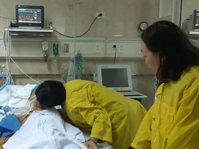 Nụ hôn từ biệt đầy nước mắt của người vợ hiến tạng chồng, cứu sống 5 người xa lạ