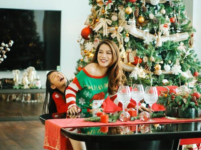 Noel 2018: Hồng Nhung nhắc đến chồng cũ, mẹ con Trương Ngọc Ánh quậy trong căn nhà mới