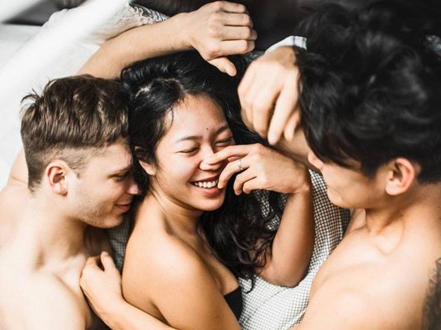 Nơi phụ nữ muốn lấy chồng phải lấy cả anh em chồng, luân phiên yêu mỗi người 1 đêm