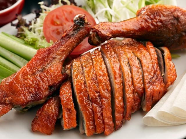 Thịt vịt có thể ăn với bất cứ cái gì trừ 2 món này không có ngày rước bệnh