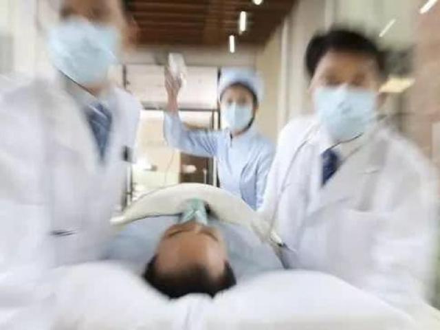 Ba chàng trai bị xuất huyết não, tất cả họ đều mắc phải sai lầm chết người như nhau